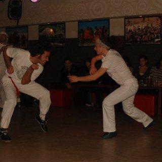 2010 Jogando Capoeira con el TMA